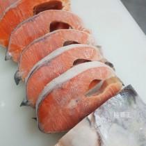 整隻鮭魚厚切 PREMIUM頂級鮭魚 有頭有尾的厚切鮭魚【陸霸王】